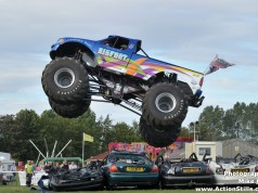 Big Foot #17 Jumping Over Cars